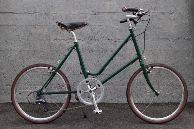 美しいグリーンのLEAF451
