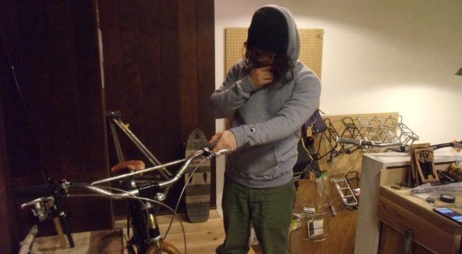 YETINA x BALLOONER の暖かいpullover hoodie。