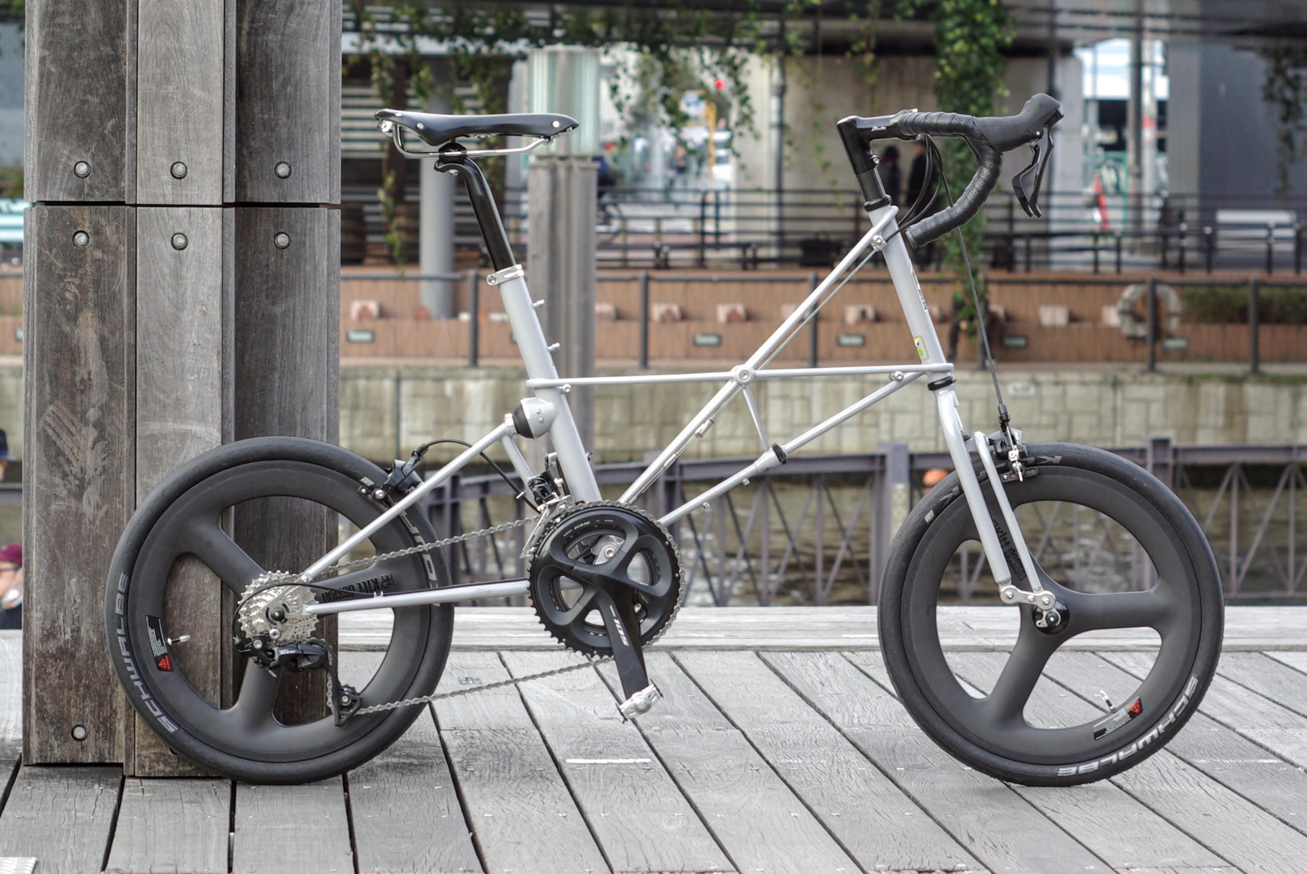 MOULTON SST (105/Carbon Wheel/Brooks)